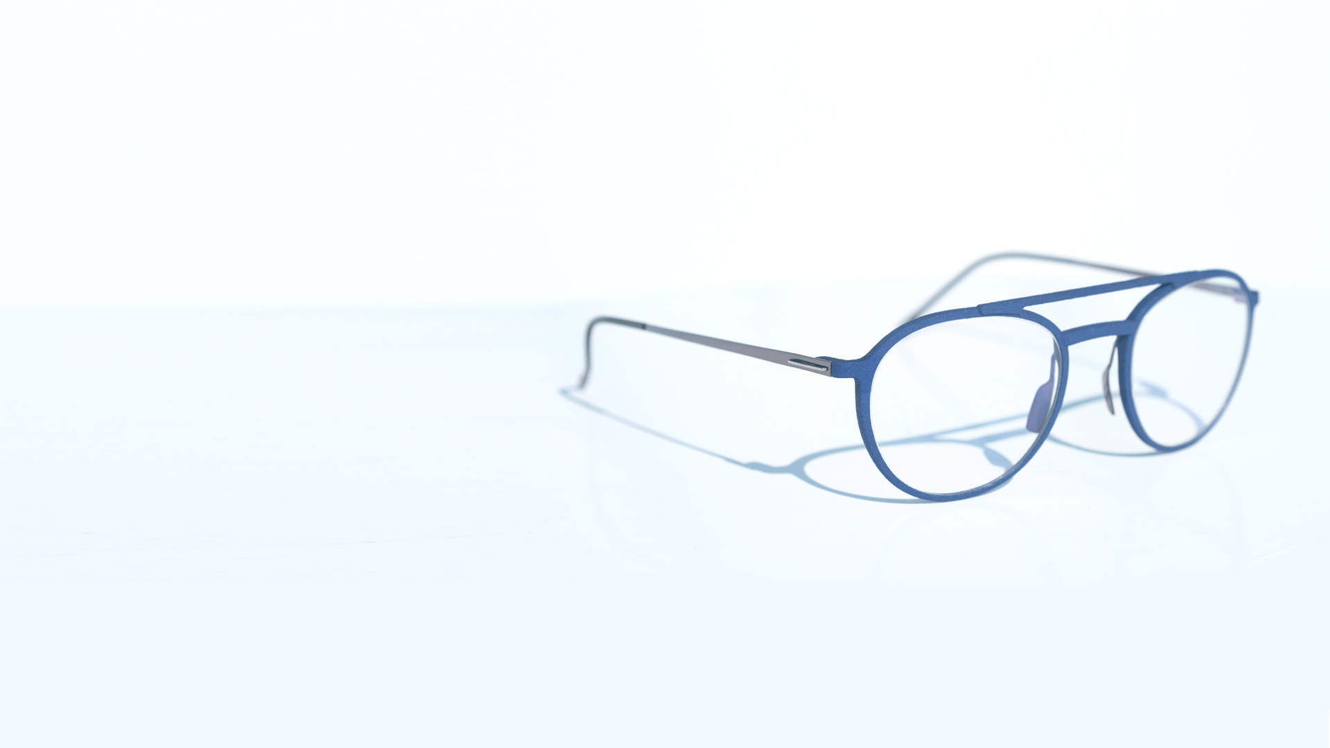 6d5e4f64a04d Lightec 3D. Minimalist, light and innovative Discover the brand new 3D  printed eyeglasses by MOREL